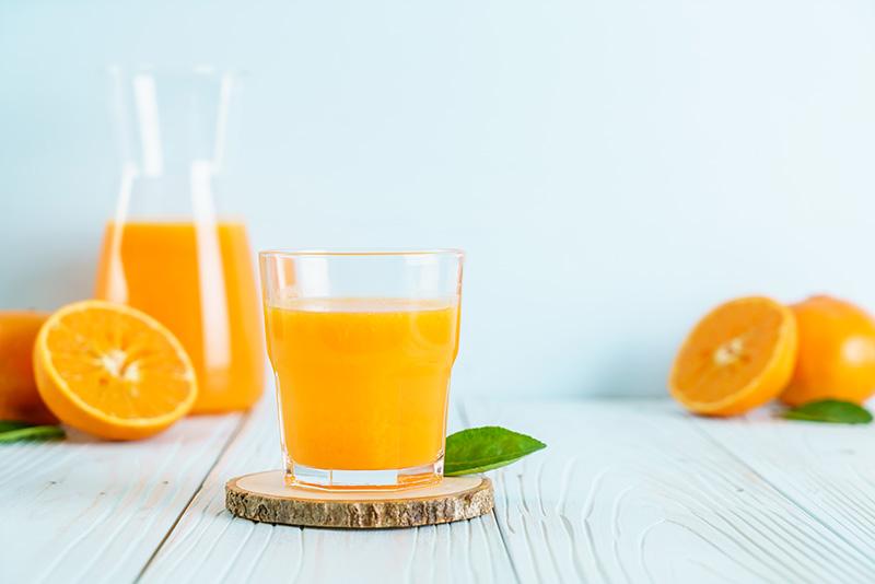 Zumos de naranja recién exprimidos
